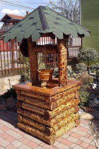 Deko Gartenbrunnen aus Eiche Massivholz, rustikal verarbeitet
